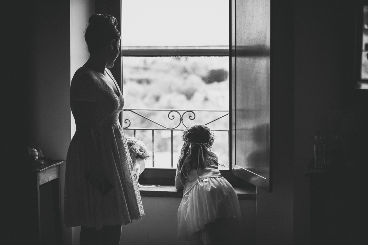The bride and the child in a picture by Fabio Schiazza