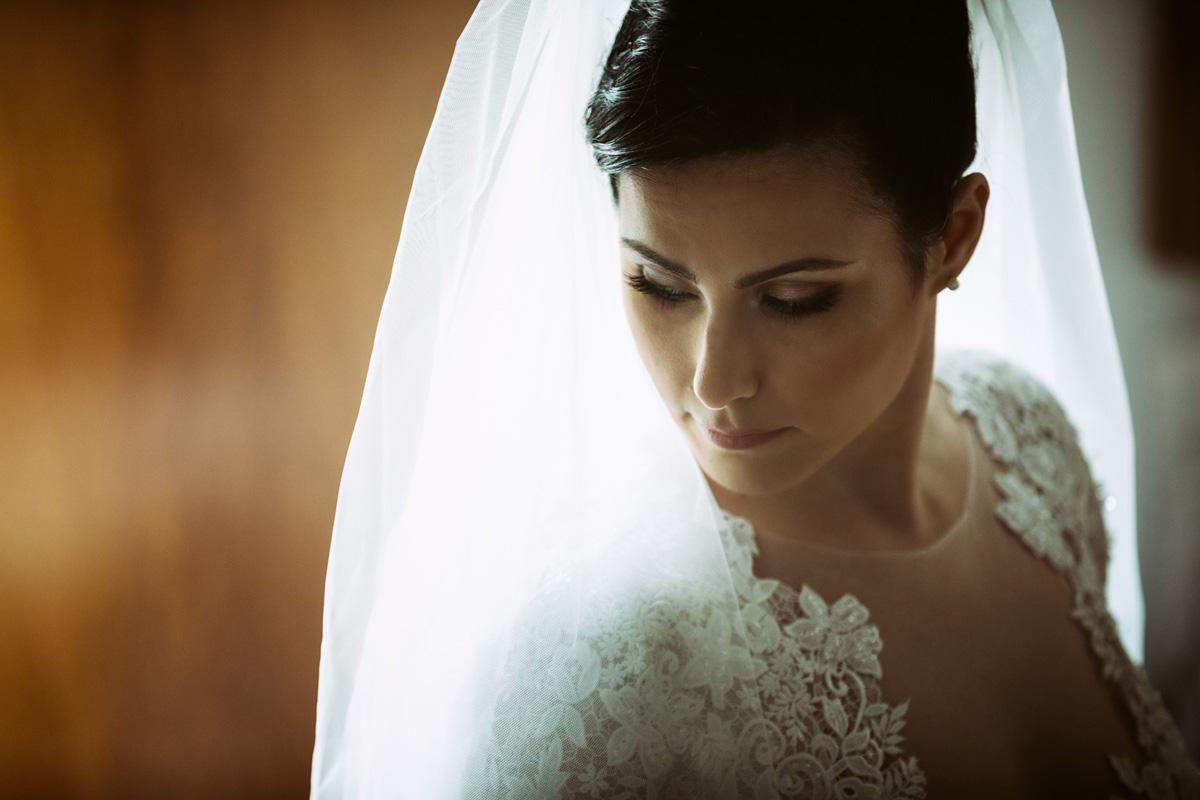 the bride in a portrait by Fabio Schiazza