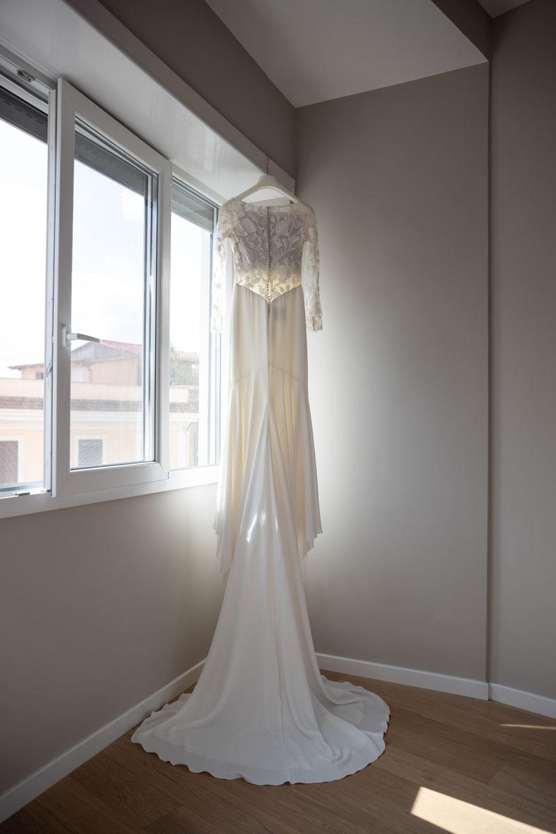 The bride's dress in a pic by Fabio Schiazza