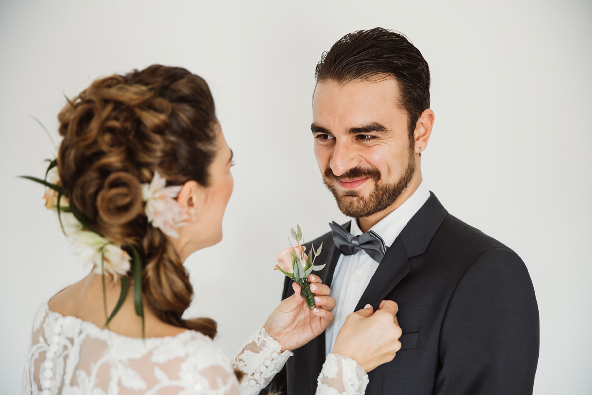 the bride and her brother in a pic by Fabio Schiazza