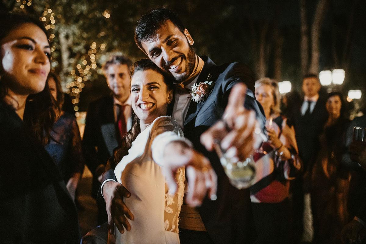 Bride and groom Casina di Macchia Madama in a pic by Fabio Schiazza